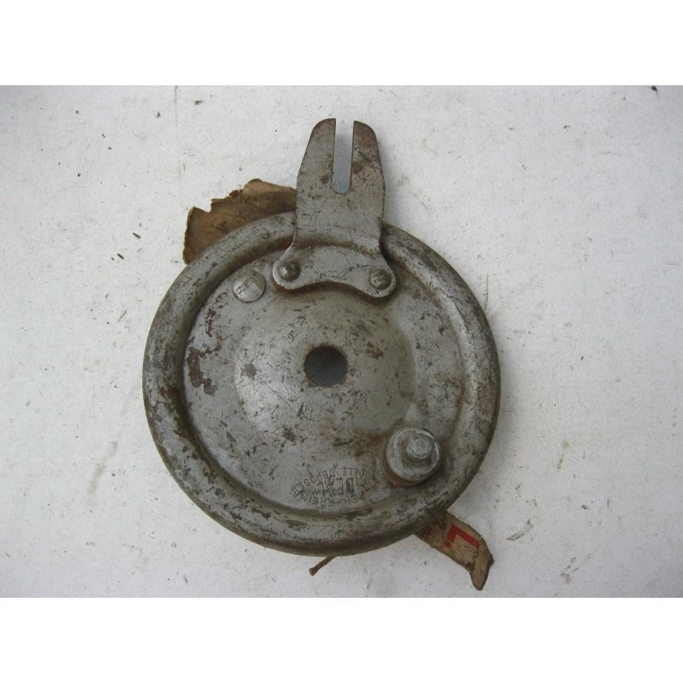 flasque de frein arrière MOTOBECANE 125 D45. N.O.S